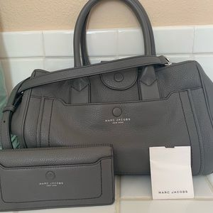 Marc Jacobs Authentic leather purse & wallet